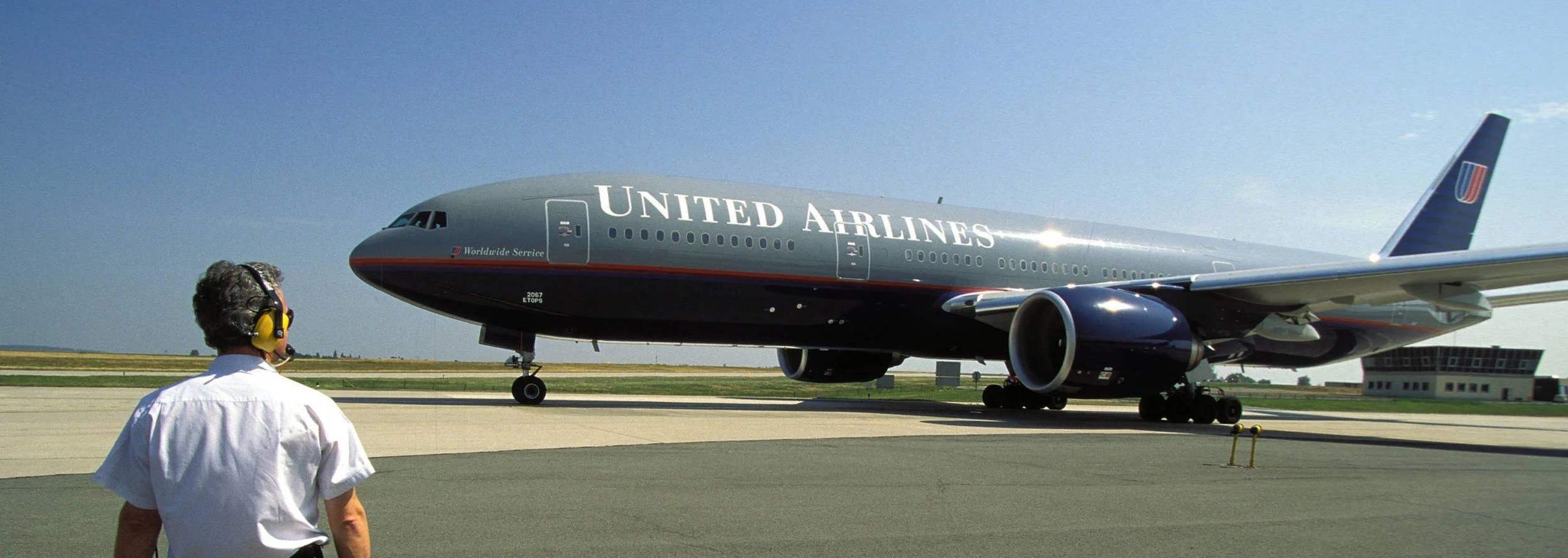 The Boeing 777 turns 25. Here's why it has become so popular