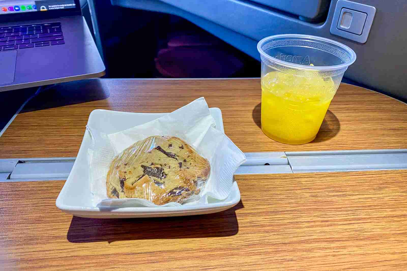 Pre-arrival cookie service remains