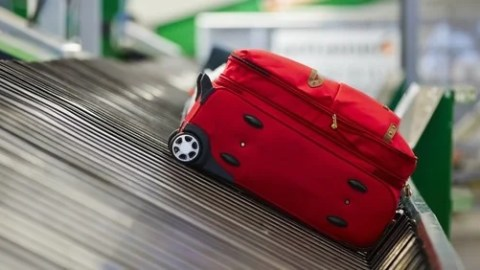 How To Almost Never Lose Your Luggage Again
