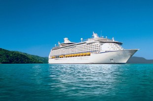 2 large cruise ships will continue their North American voyages in June