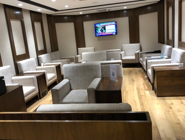 bird lounge seating area pune airport pnq review