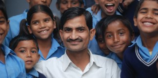 "Meet PM Modi's 'Imran Khan', a Teacher Who Truly Implemented Modi's ""Digital India"" in Education,"