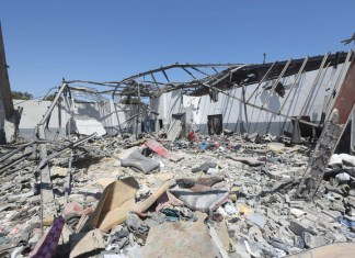 Migrant detention centre bombed in Libya gradually being emptied, UN says