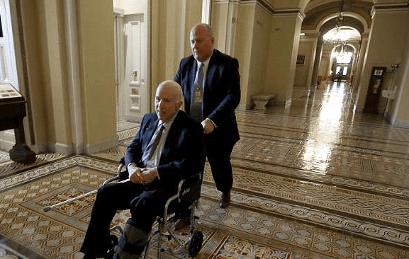 Senator John McCain Will Not Be Returning to the U.S. Senate, Prepares for the End