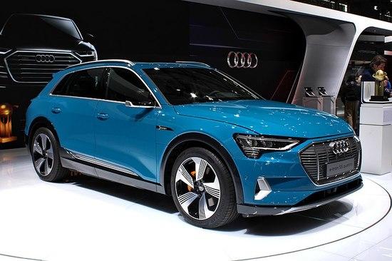 800px-Audi_e-tron,_Paris_Motor_Show_2018,_IMG_0442.jpg