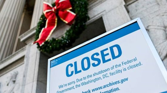 Closed%20for%20the%20Holidays.jpg