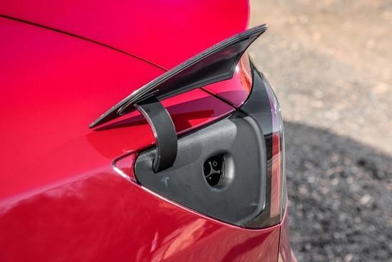 Tesla-Model-3-charge-port.jpg