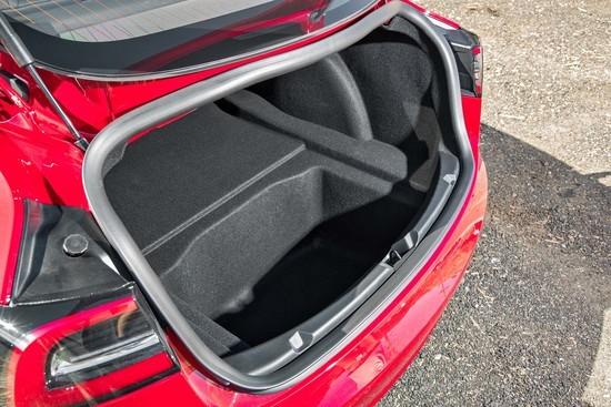 Tesla-Model-3-trunk.jpg