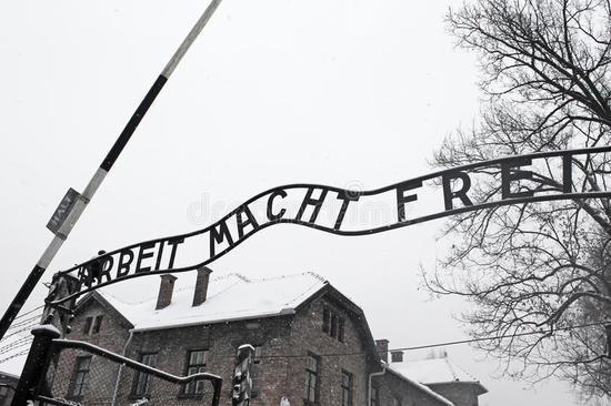 arbeit-macht-frei-sign-work-liberates-auschwitz-poland-concentration-camp-50011715.jpg