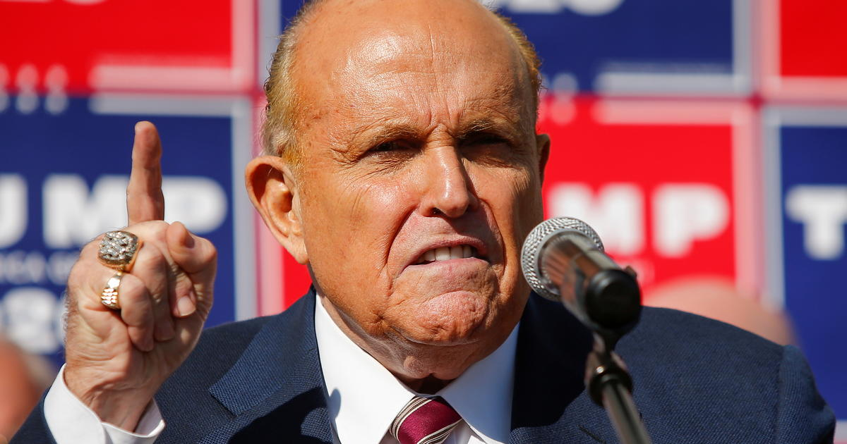 """, """"Treasonous Traitor Clown"""" Giuliani was an even better """"useful idiot"""" for Russia in 2020, The Politicus"""