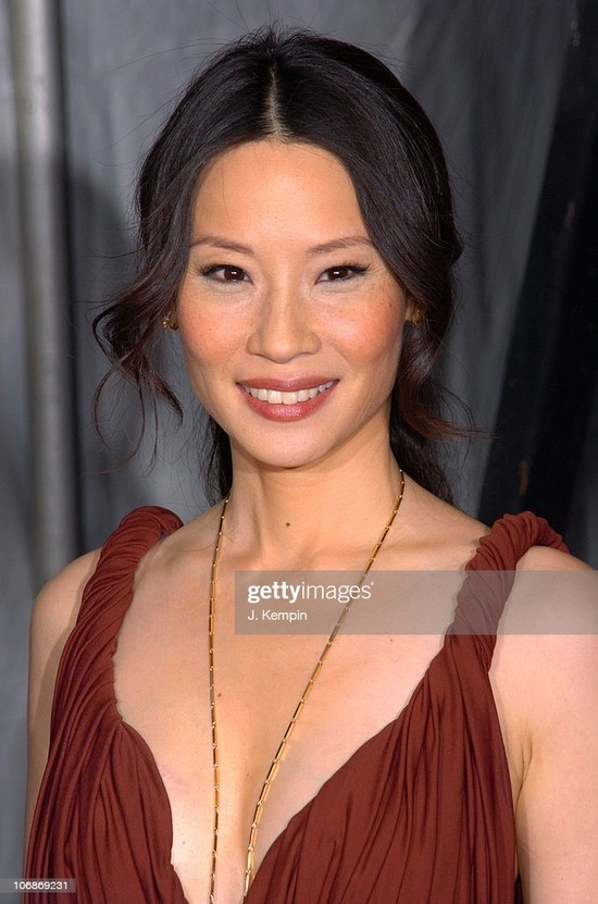 """Lucy Liu during """"Lucky Number Slevin"""" New York Premiere - March 21, 2006 at Ziegfeld Theater in New York City, New York, United States. (Photo by J. Kempin/FilmMagic)"""