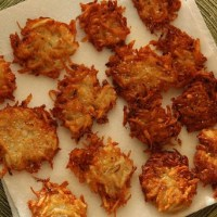 How To Make Potato Latkes Like a Jewish Grandma