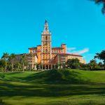 La sede mundial de la escuela de golf Jim McLean hace hoyo en uno en el Hotel Biltmore