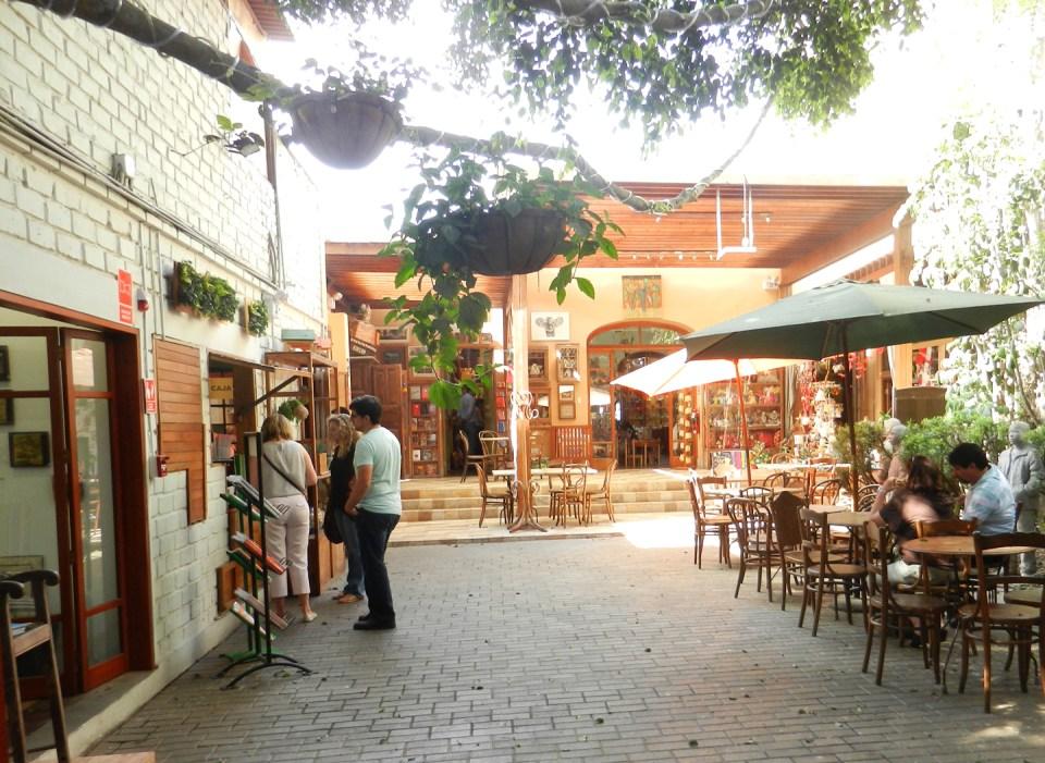 Barranco, Lima, Peru Art Shop {Dédalo}   The Postman's Knock