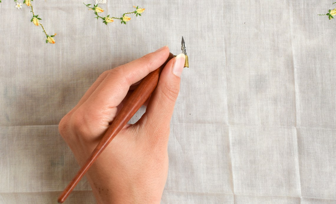 A Guide to Oblique Calligraphy Pens | The Postman's Knock