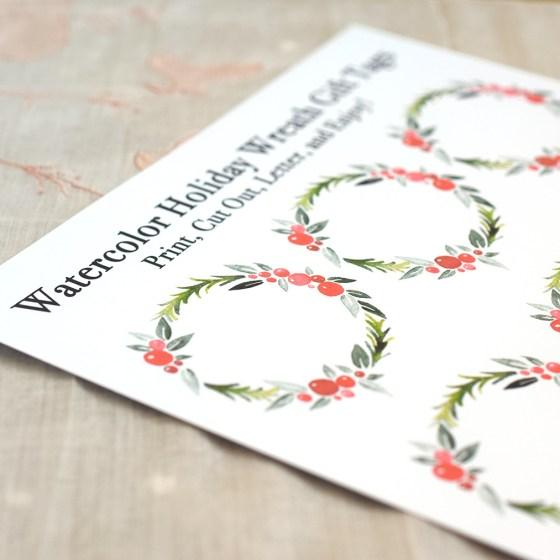Printable Watercolor Holiday Wreath Gift Tags | The Postman's Knock