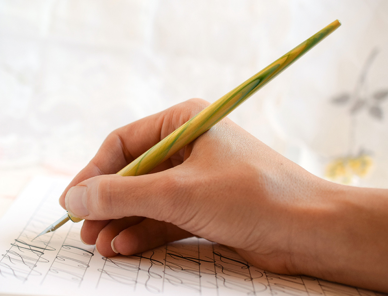 how to hold a calligraphy pen includes videos the postman 39 s knock. Black Bedroom Furniture Sets. Home Design Ideas