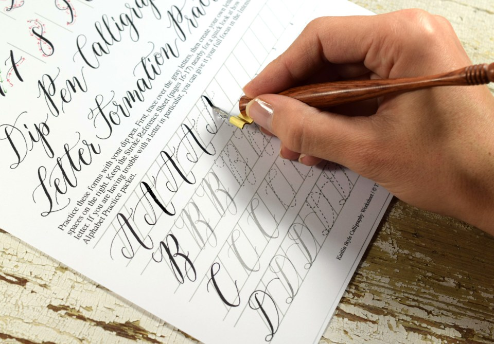 Writing Kaitlin Style Calligraphy with an Oblique Calligraphy Pen