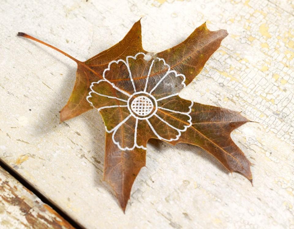 Step 2: Henna Flower Leaf Motif