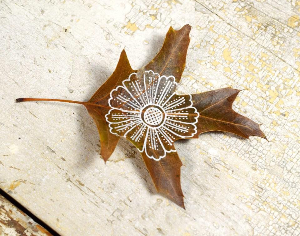Step 3: Henna Flower Leaf Motif