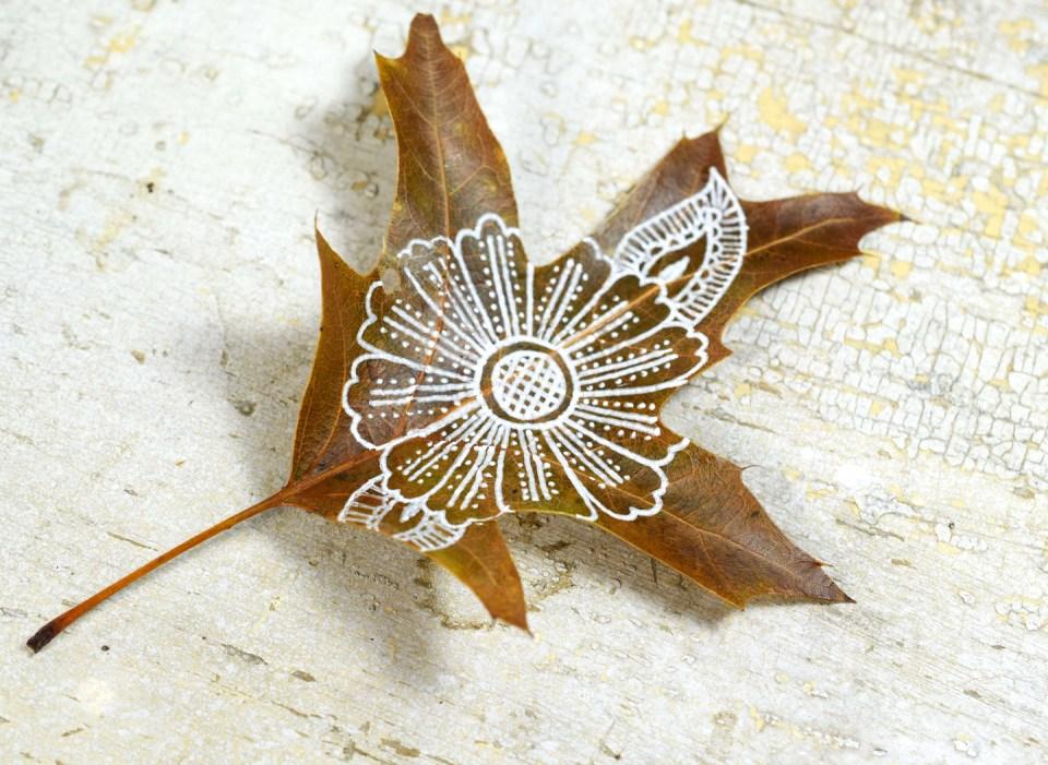 Step 5: Henna Flower Leaf Motif