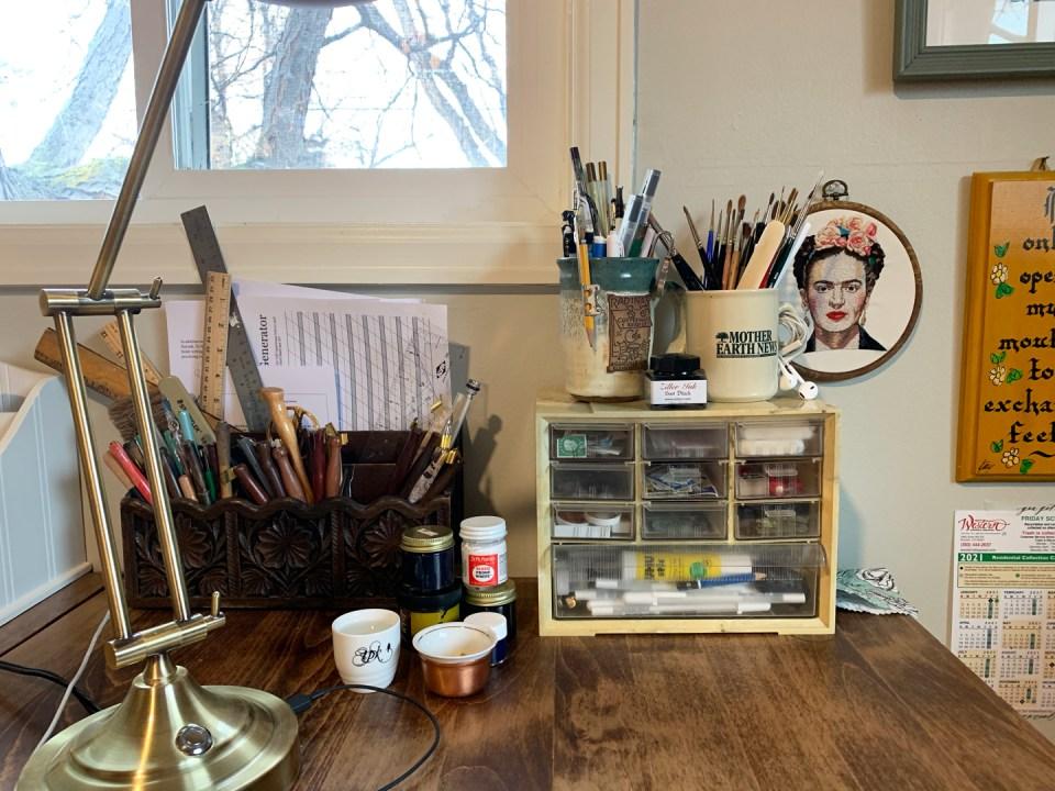 How I Organize Art Supplies