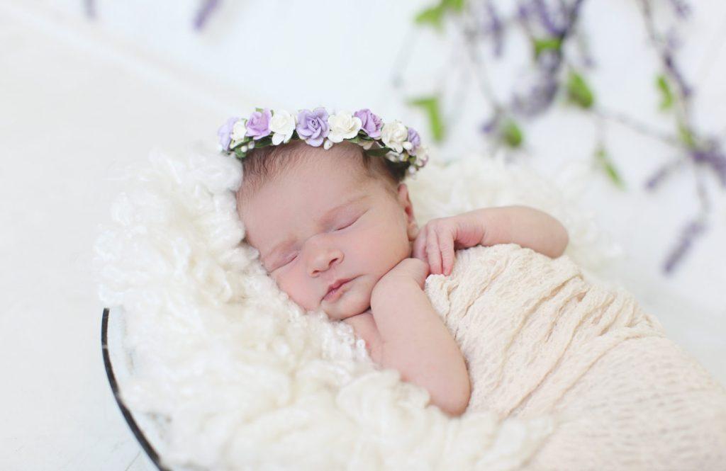 get newborn photos after bringing baby home