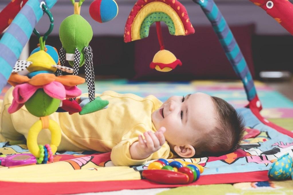 Babywise baby playing during waketime