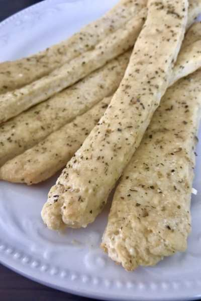Garlic Butter Breadsticks
