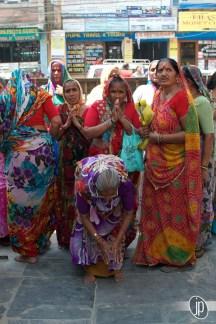 Hindu Women Worship Buddha