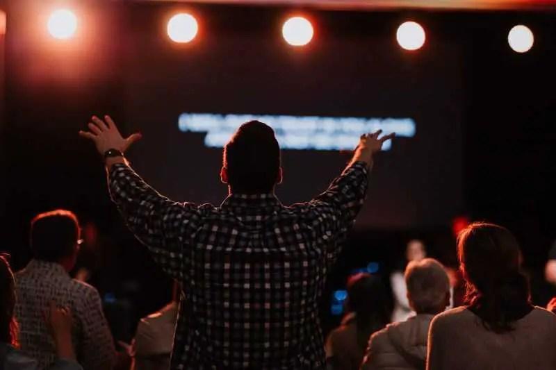 Benefits of Praising God