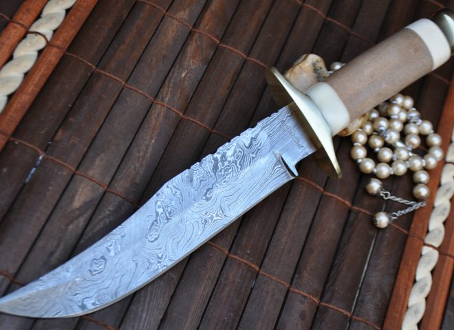 As you know we are all fans of a good knife, one of the most versatile tools anyone can carry and for true knife aficionados, Damascus Steel is a Force to Reckon With!