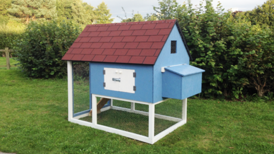 how to build a chicken nesting box