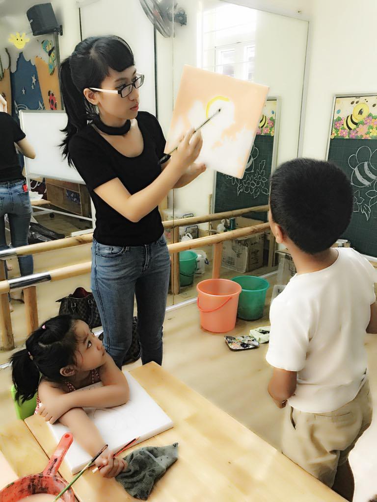 Nội lực trong từng nét vẽ —Phỏng vấn Nguyễn Hương, người sáng lập/cô giáo Mỹ thuật Kitty Art