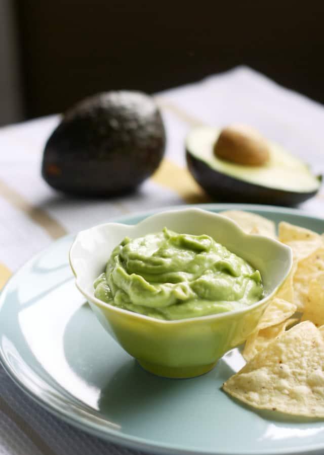 creamy avocado dip vegan