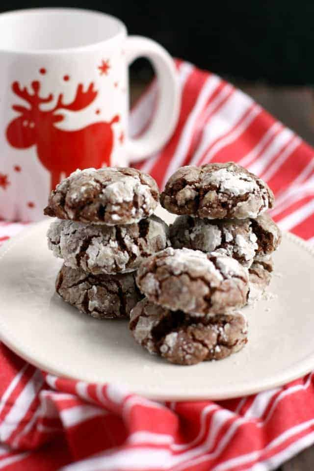 These gluten free and vegan chocolate crinkle cookies absolutely melt in your mouth!