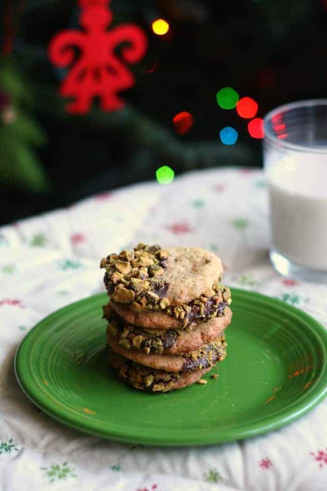 Gluten free and vegan pistachio butter cookies.