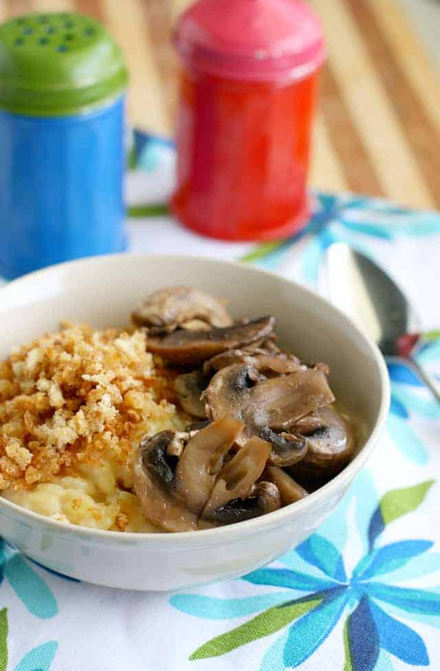 Vegan creamy orzo topped with mushrooms and buttered breadcrumbs. A flavorful and comforting meal. #dairyfree #vegan