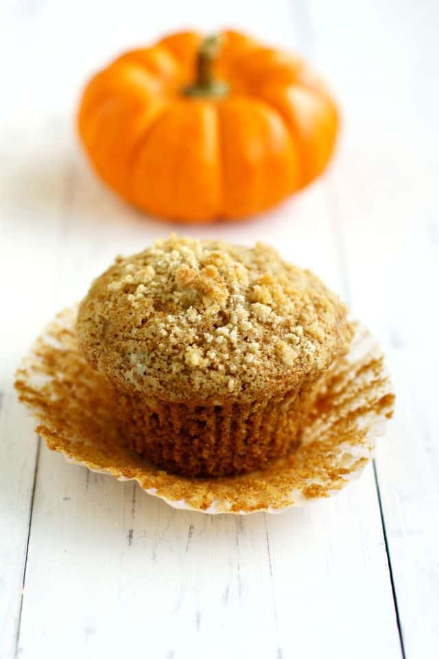 Vegan Pumpkin Muffins With Streusel Topping The Pretty Bee