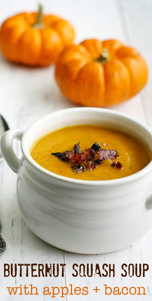 Warm, creany, flavorful butternut squash soup made with apples and BACON! #fall #soup