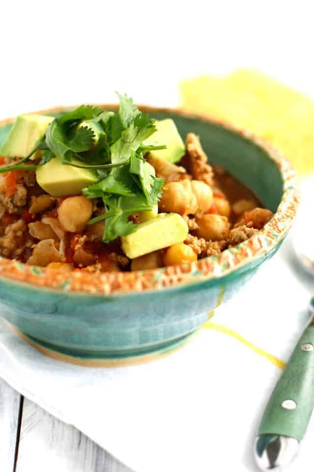 Simple and healthy 5 ingredient turkey chili