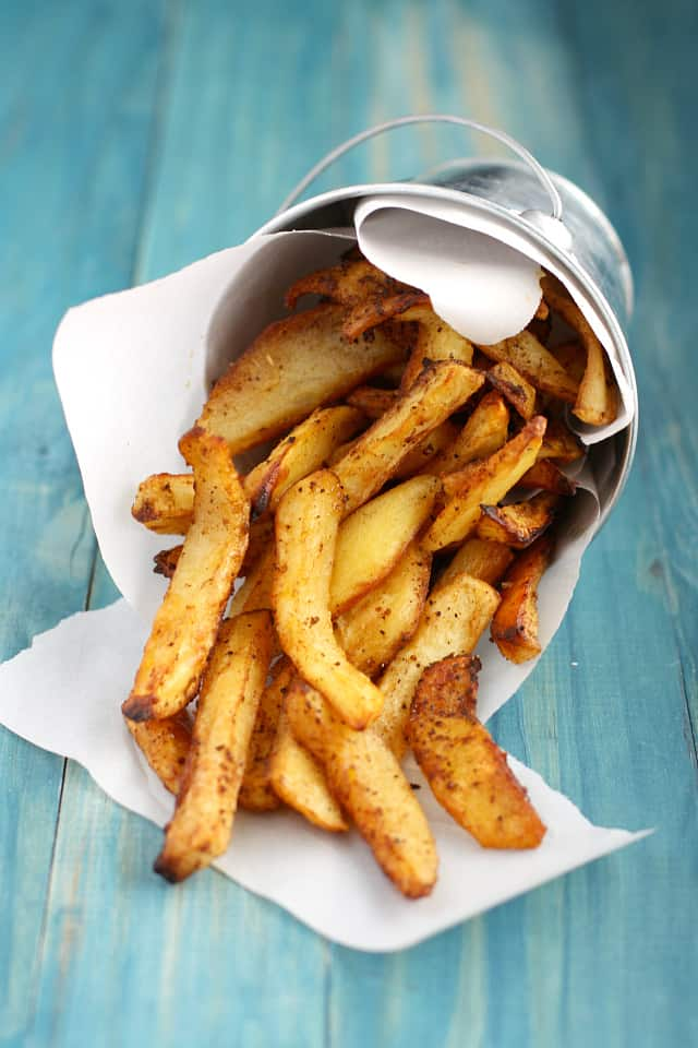 These oven fries are simply the best! Crisp, tender and perfectly seasoned! #glutenfree