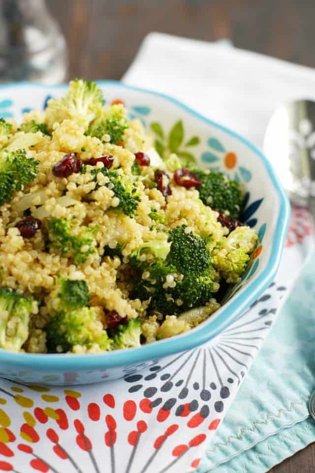 Easy, healthy, colorful, and delicious, this quinoa salad has it all! Perfect for summer gatherings. #glutenfree #vegan