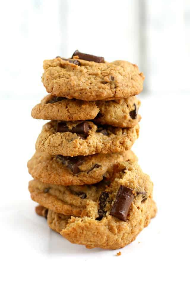 Comparison of store bough gluten free flour blends and a chocolate chip cookie recipe.