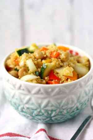 honey mustard quinoa chickpea salad