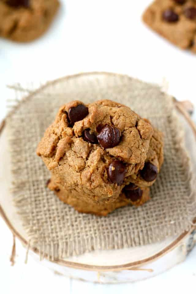 vegan whole grain chocolate chip cookies