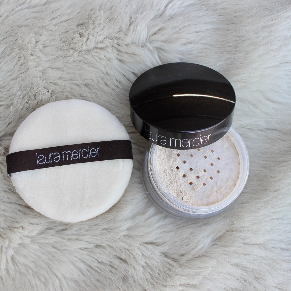 Product Review: Laura Mercier Translucent Loose Setting Powder