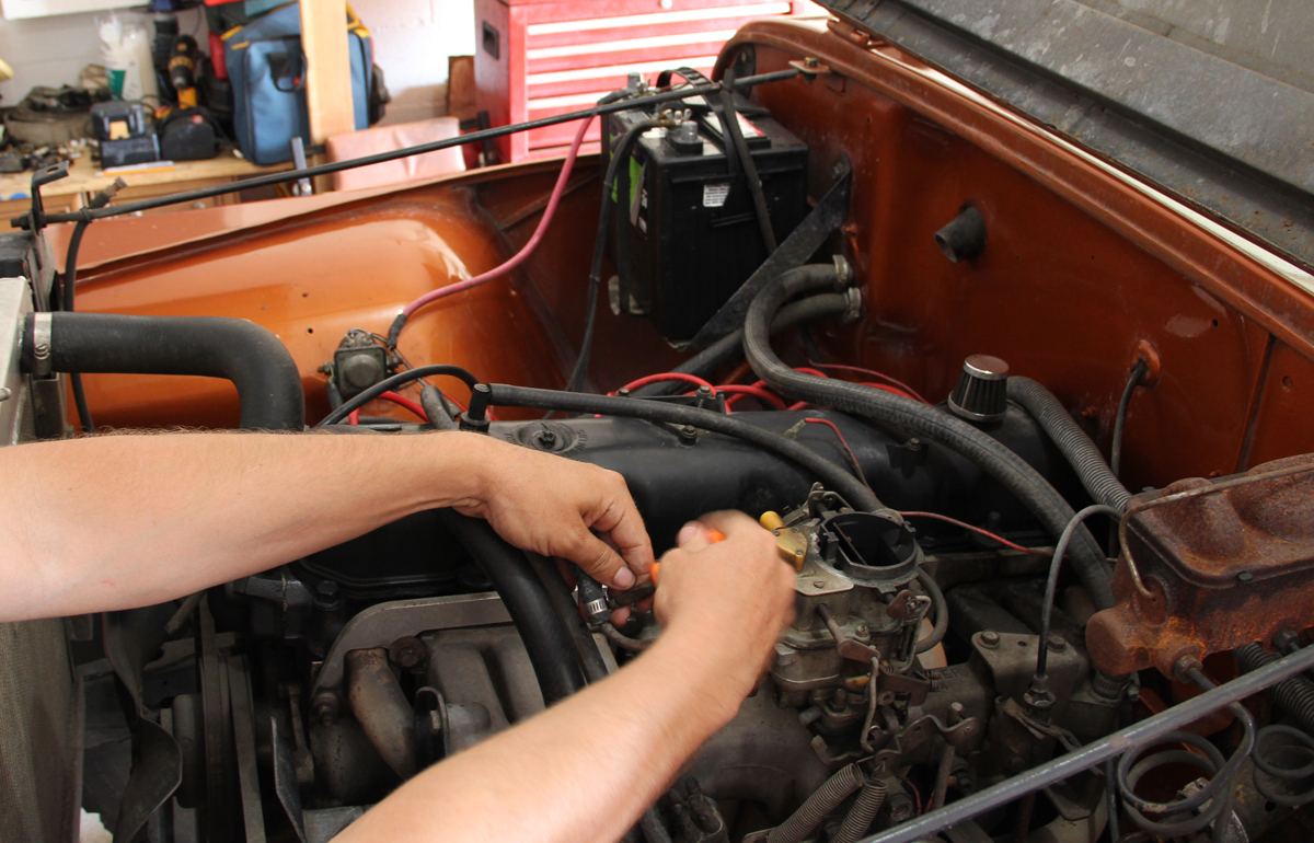hight resolution of remove the fuel lines vacuum advance line pcv throttle linkages and electric choke wire from the old carburetor