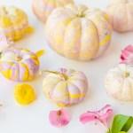 Pretty Pastels \\ DIY Marbled Pumpkins