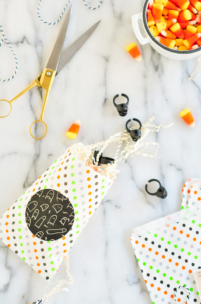 Halloween Printables via @theproperblog